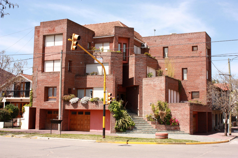 foto3 -Edificio viviendas aterrazadas en esquina- Necochea