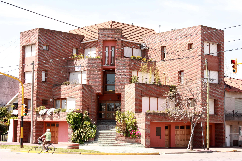 foto1 -Edificio viviendas aterrazadas en esquina- Necochea