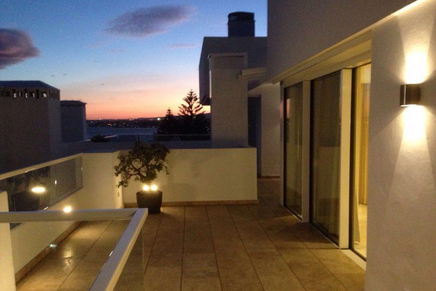 Detalle iluminación terraza 1, Ático -Estepona, Costa del Sol